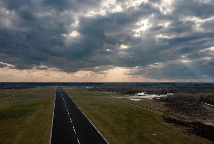 Twente Airport, het decor van de marathon.