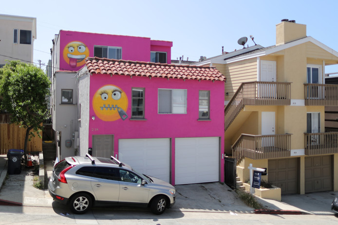A home painted with emojis is seen in Manhattan Beach, California, U.S., August 9, 2019. REUTERS/Lucy Nicholson