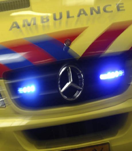 Motorrijder en fietser gewond na botsing