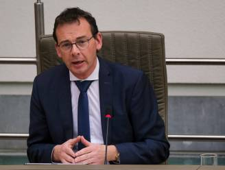 Beke vraagt Hoge Gezondheidsraad advies over plan-B met één-prik-strategie