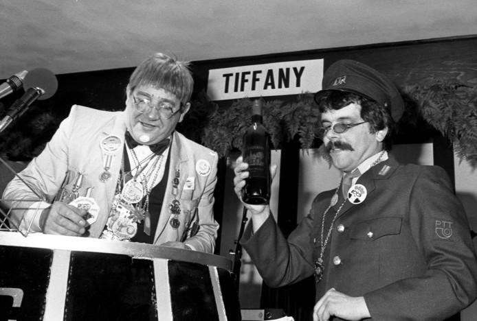 Pierre Cnoops (links) en Frans de Schepper tijdens  de Buut in zaal Tiffany.