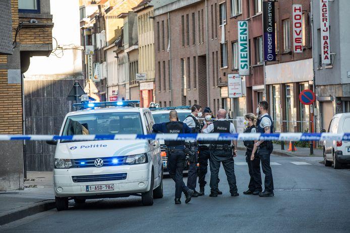 Na de steekpartij van woensdag hebben stad en politie er genoeg van. Er komen camera's in de Brugse Poort