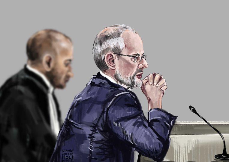 Rechtbanktekening voormalig Haags PVV-raadslid Arnoud van Doorn (r) en diens advocaat Anis Boumanjal.  Beeld