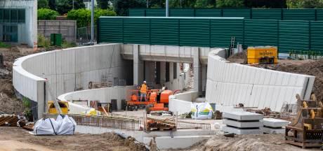 Tunnelwerk in Elst gaat door in bouwvak
