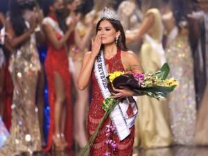Et Miss Univers est...