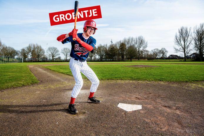 """Ryan de Jonge speelt honkbal bij The Braves in Gouda. ,,Het is een teamsport die redelijk hard is."""""""