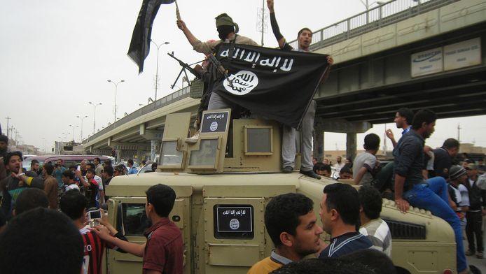 Archiefbeeld van IS-strijders in de stad Fallujah