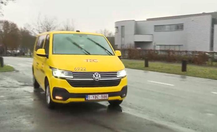 Concrètement, le service TEC à la demande permettra de voyager à partir du 8 février dans la ville de Louvain-la-Neuve ainsi que dans ses parcs d'activités économiques, du lundi au vendredi de 7h30 à 19h30 et le samedi de 10h30 à 18h30.