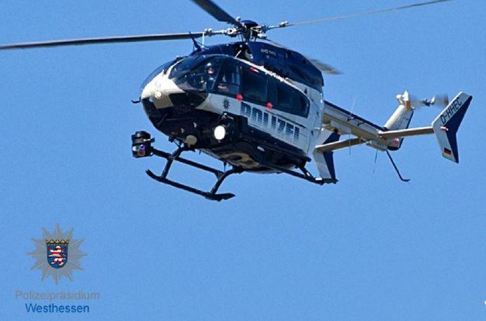 De Duitse politie zette ook een helikopter in bij de zoekactie naar de Nederlandse lifter.