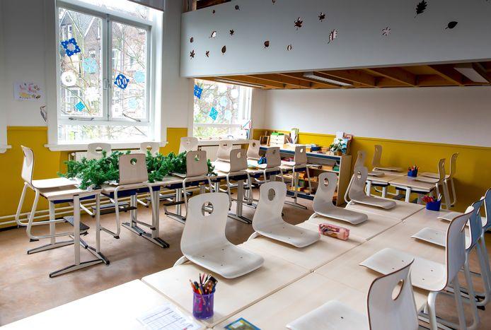 Lege klassen op de Rotterdamse Montessorischool.