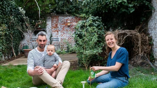 """CuriezeNeuzen in de tuin bij Sien (35), Hannes (36) en Amos (1): """"We hopen dat onze zoon later ook beseft dat hij zorg moet dragen voor de aarde"""""""