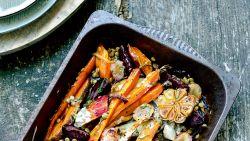 RECEPTEN. Herfsttoppers met groenten in een glansrol