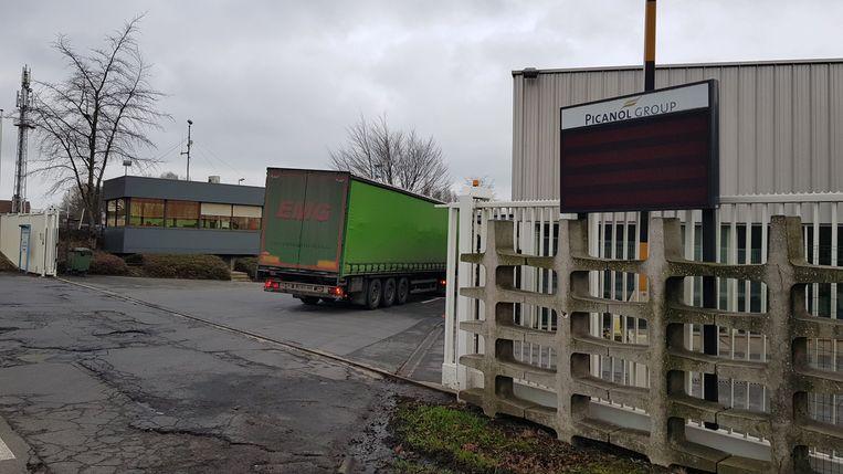 Vrachtwagens blijven op- en afrijden, maar computersystemen liggen plat.