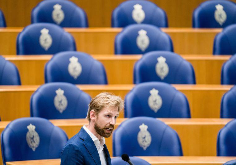 Dennis Wiersma (VVD) tijdens het wekelijks vragenuur in de Tweede Kamer. Beeld ANP