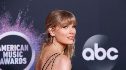"""Belgische fan krijgt boodschap van Taylor Swift na grappige situatie op Twitter: """"Ik heb twee weken geen internet, hopelijk doet Taylor intussen niets groots"""""""