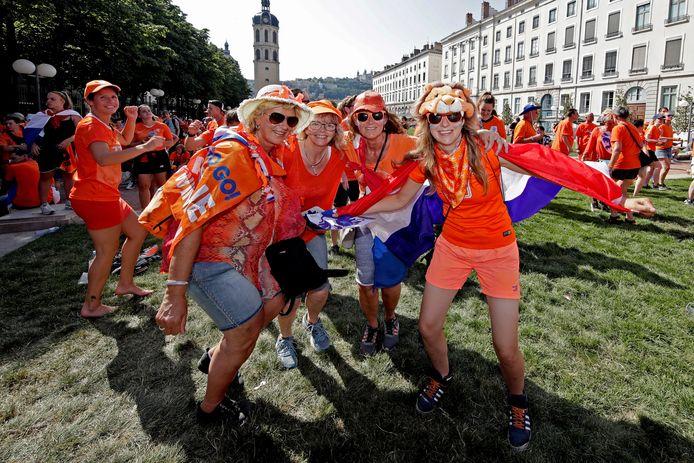 Oranje-supporters in Lyon.