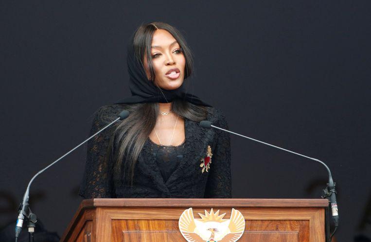Model Naomi Campbell nam het woord op de begrafenis van Winnie Madikizela-Mandela in het Orlandostadion in Soweto. Beeld REUTERS
