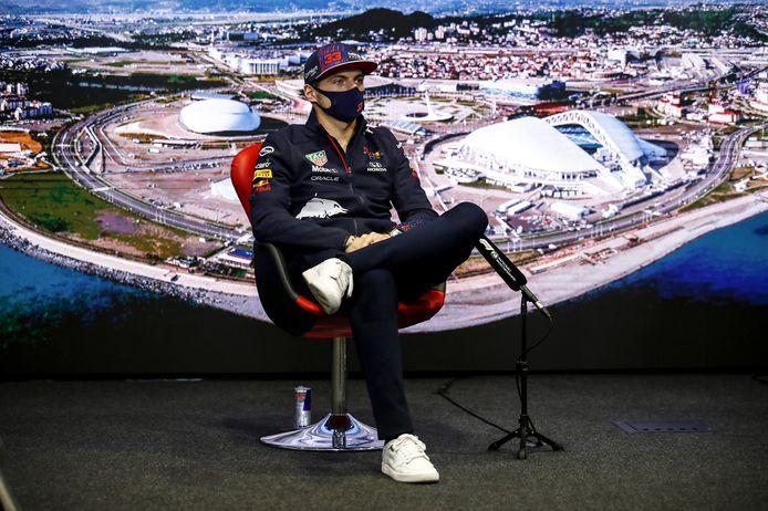 Max Verstappen tijdens de persconferentie richting een nieuwe raceweekend in Rusland.