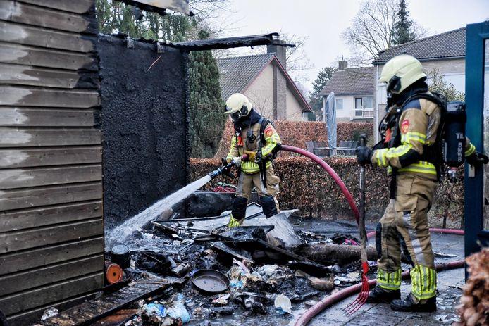 Bewoners verzorgingshuis Haaren geëvacueerd na brand in schuur.