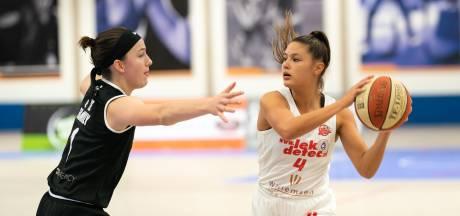 Even nagenieten: basketbalsters Batouwe gooien na zeven maanden lockdown 102 punten binnen