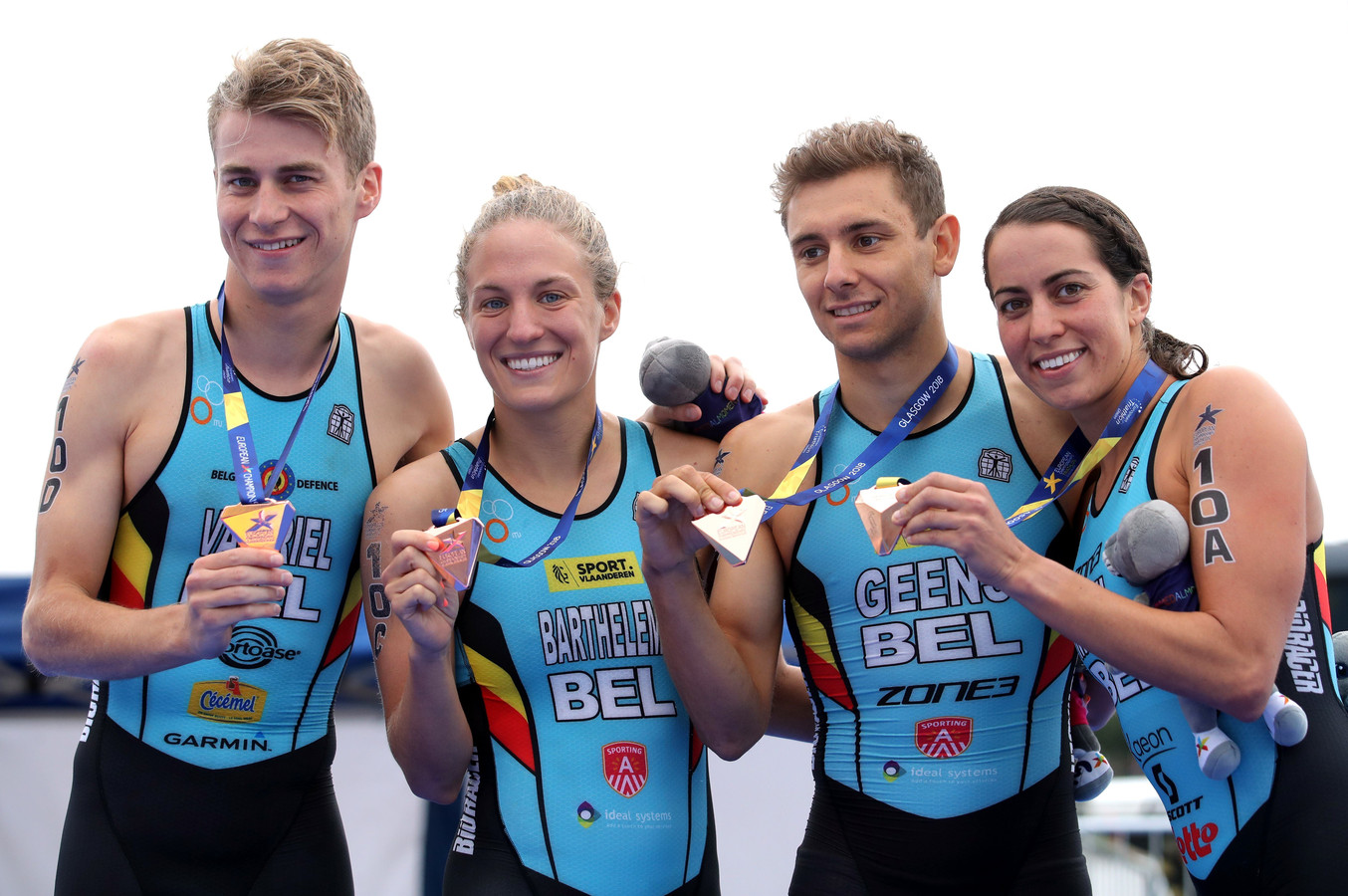 Claire Michel (rechts) pakte op het EK in Schotland in 2019 nog brons met de gemengde Belgische ploeg.