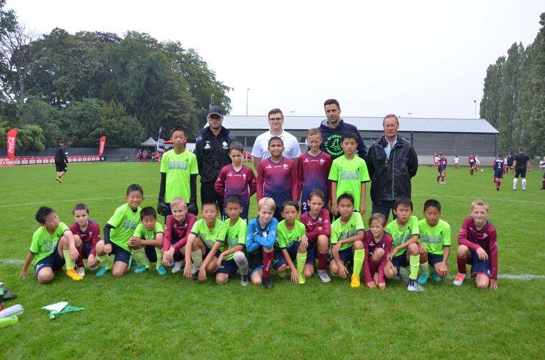 De spelertjes van FC Greenfield Shenzhen en SKL Doorslaar namen het tegen elkaar op.