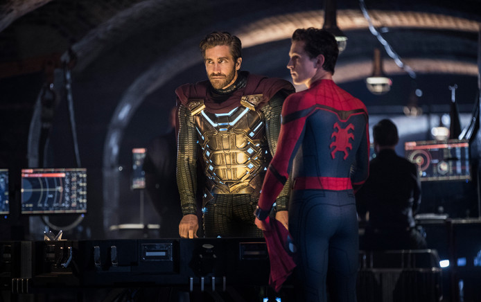 Jake Gyllenhaal en Tom Holland in Spider-Man: Far From Home.