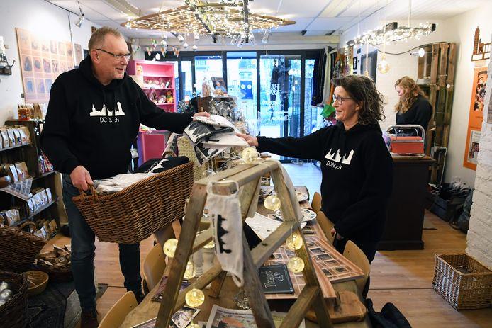 Pop Up winkel met alleen Dongense Dingen van Bart en Marie Louise Kerkhof.