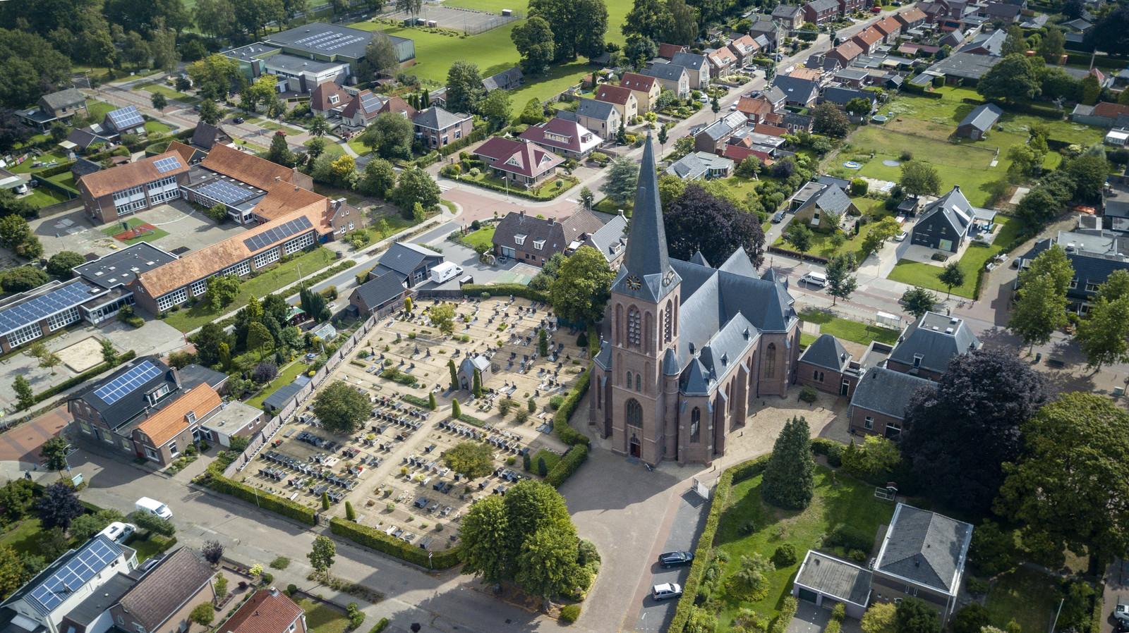 De Maria Onbevlekt Ontvangen, in het dorpshart van Heeten, is één van de zeven kerkgebouwen die de komende vijf jaar zal sluiten.