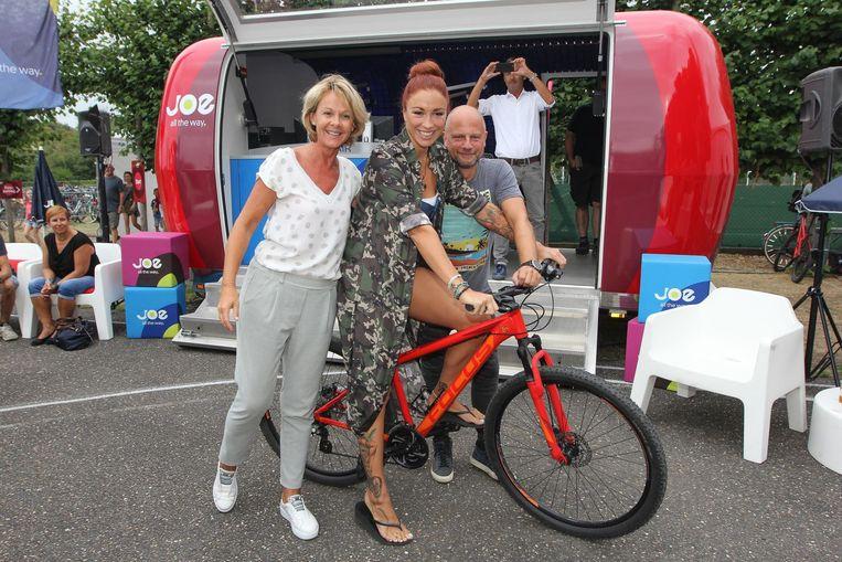 Alexandra Potvin, Natalia en Raf Van Brussel aan de Joe-studio aan het Sporta-centrum.