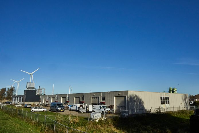 Het bedrijfsverzamelgebouw aan de Marsweg in Zutphen.