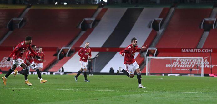 Bruno Fernandes, de vervanger van Van de Beek, schoot United door naar de volgende ronde.