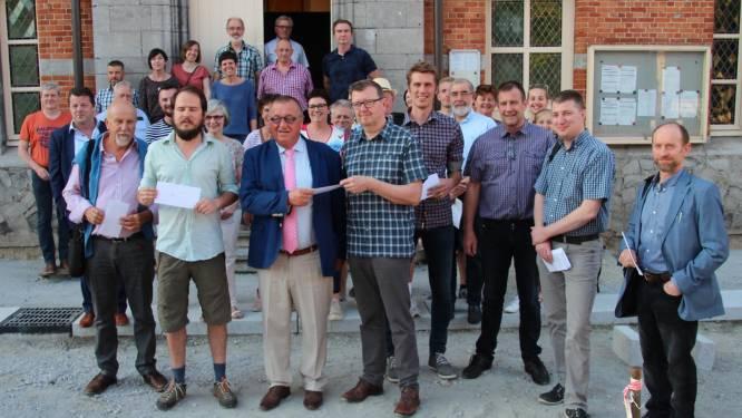 Actiegroepen overhandigen open brief aan politici