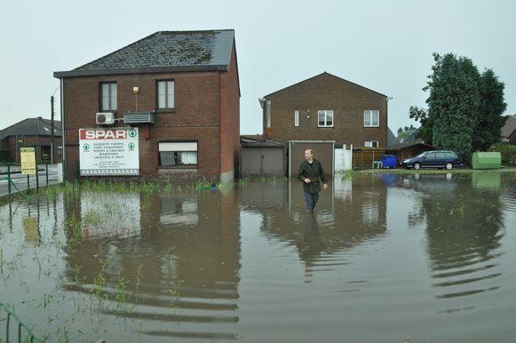 In Houthalen stonden de Groenstraat en Koolmijnlaan onder water.