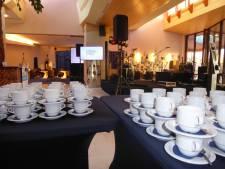 Geluid, tv-schermen, de koffiekopjes: alles staat bijna klaar voor verkiezingsavond Gestel