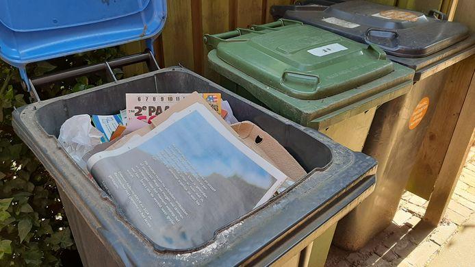 Veel Arnhemmers hebben een volle papierkliko nu het oudpapier al enkele weken niet is opgehaald.