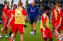 Erik ten Hag tijdens een Ajax-training.