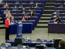Brussel op ramkoers over onwillige leden: 'Fluwelen handschoenen gaan uit'