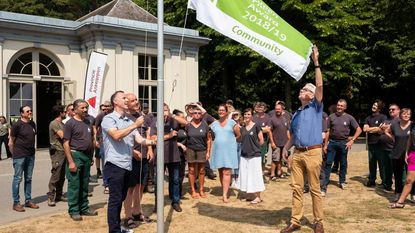'Green Flag' wappert in Rivierenhof