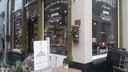 Chocolaterie salon De Roosekrans. Eigenaar Huub Finkers zou een chalet op het terras willen zetten.