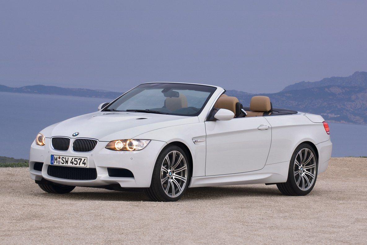 Een BMW 3 Serie met de interne code E93.