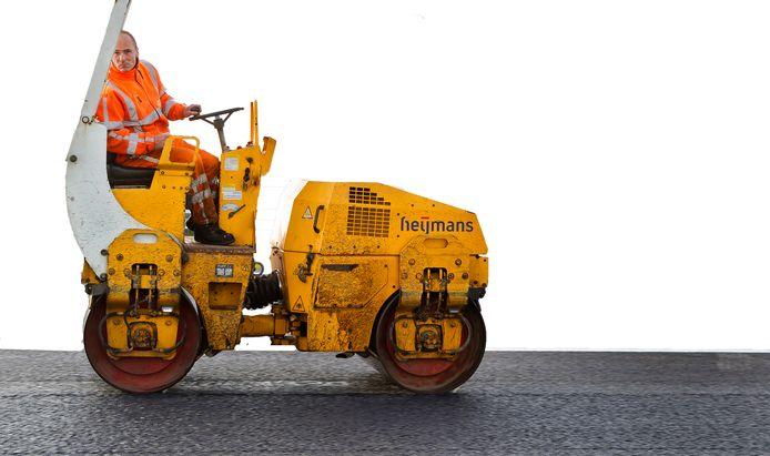 Een voertuig om nieuw asfalt mee te bewerken.