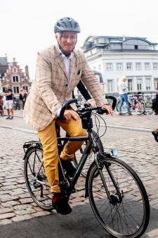 Un dimanche sans voiture calme et sans incident majeur à Bruxelles, la famille royale a visité Gand à vélo