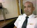 Heeft kapitein Zaharie Ahmad Shah het toestel moedwillig laten crashen of was hij buiten bewustzijn geraakt door een probleem in de cockpit?
