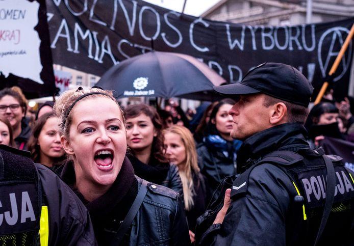 Poolse protestanten op 'Zwarte Maandag'.