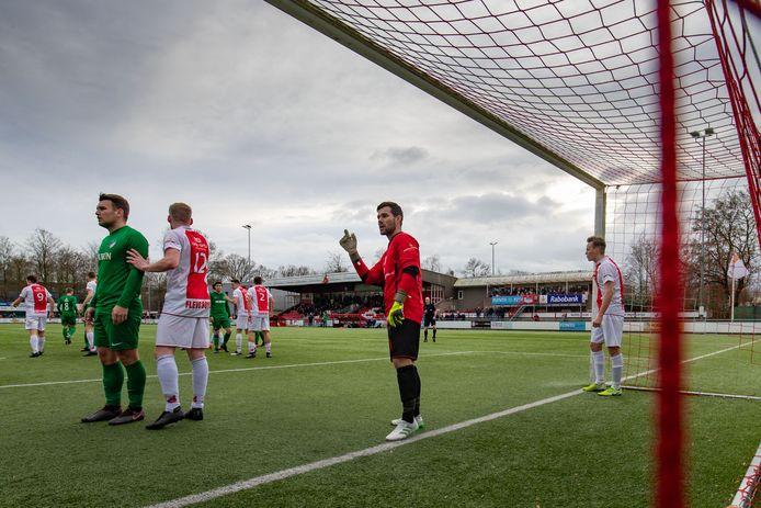 Rodney Rosink heeft na de zomer weer roodwitte shirts voor zijn neus. De oud-doelman van Flevo Boys stapt van KHC over naar HZVV.