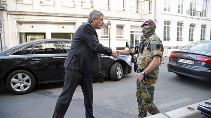"""Jambon: """"Situatie in Molenbeek niet op 10 maanden rechtgezet"""""""