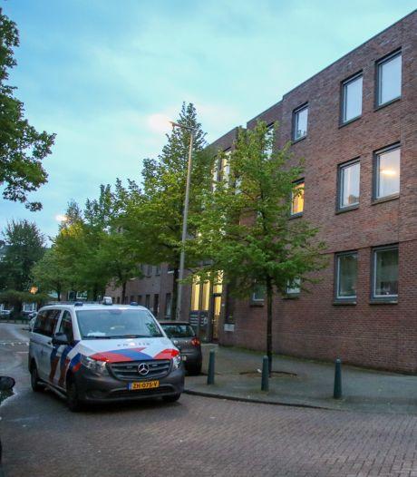 Schreeuwende man met mes aangehouden in Rotterdam-West