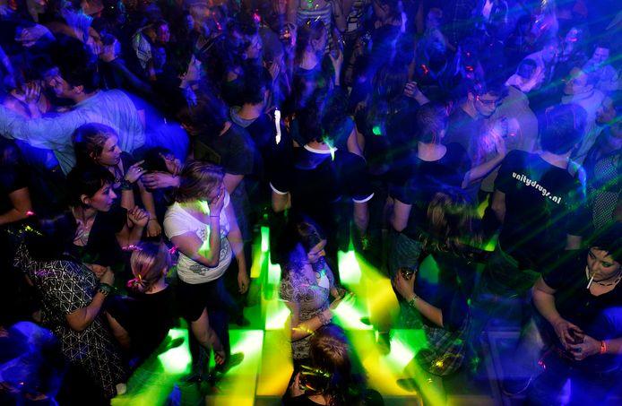 Een van de redenen van de landelijke daling van het aantal discotheken is het grote aanbod aan dancefestivals.