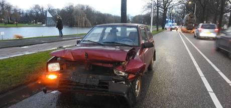 Ongeval met 3 auto's op Jan van Brabantlaan in Helmond